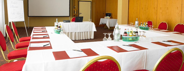 Tagungen, Konferenzen & Events